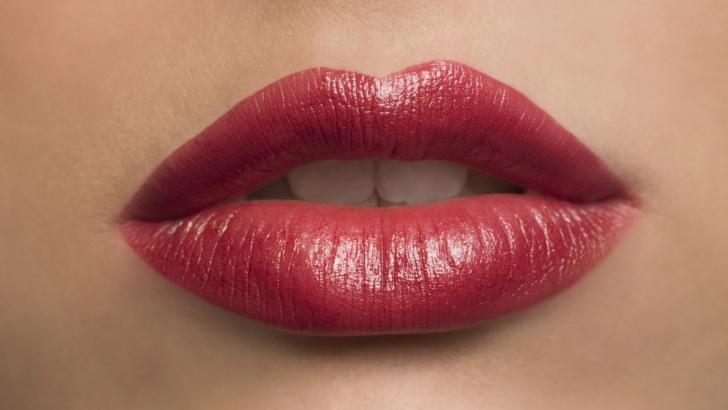 Ce spune forma buzei superioare despre viaţa ta sexuală