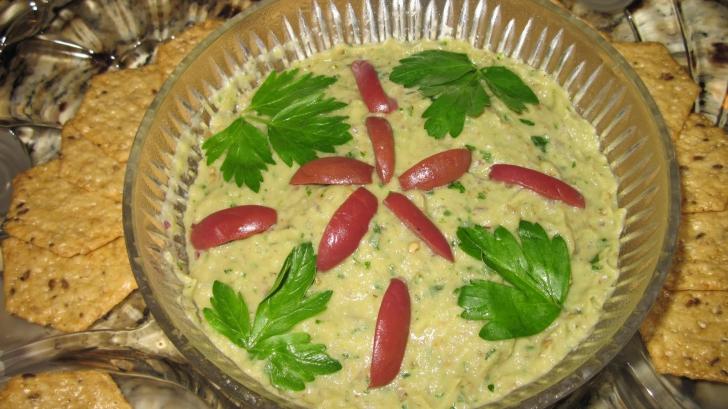 Reteţă salată de vinete. Cea mai sănătosă reţetă de salată de vinete cu maioneză