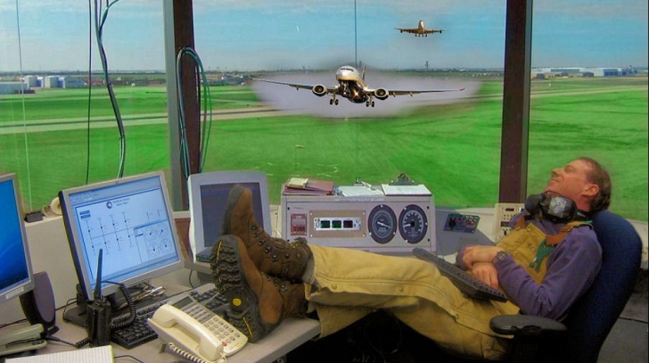 Controlor de trafic aerian american, beat mort şi adormit în timpul serviciului