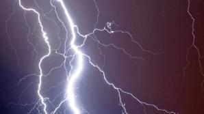 Anunţ de ultimă oră de la meteo. Cod galben de furtuni şi grindină. A început!