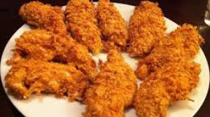 Un bucătar a făcut publică reţeta puiului crispy de la KFC