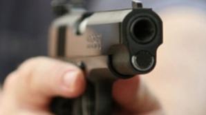 Şi-a împuşcat mortal, din greşeală, soţia. Pe cine voia, de fapt, să împuşte un bărbat din Topliţa?