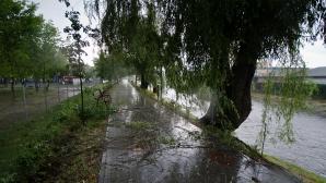 Atenţionări meteo de ploi pentru mai multe zone