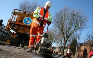 CNADNR se implică direct în repararea drumurilor