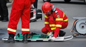 Imagini de groază! Un BMW s-a rupt în bucăţi pe un drum din Sălaj
