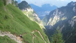 Turişti blocaţi în Masivul Bucegi: Şase persoane sunt căutate de salvamontişti. Două sunt rănite