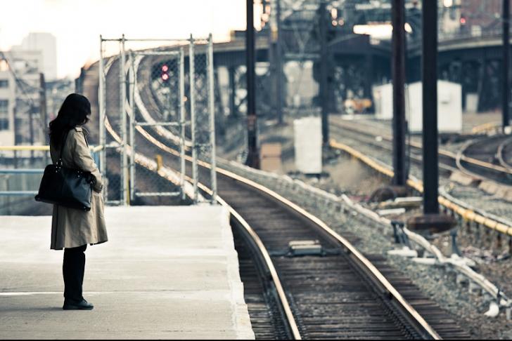 A decis să-l caute pe bărbatul care i-a zâmbit în gară. Cum sună anunțul femeii