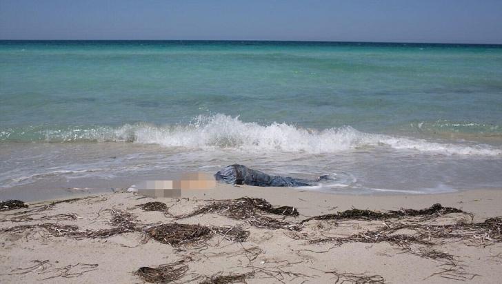 Cadavrele descompuse ale unor imigranți, descoperite pe o plajă din Mediterană