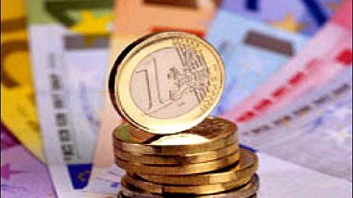 Euro scade usor