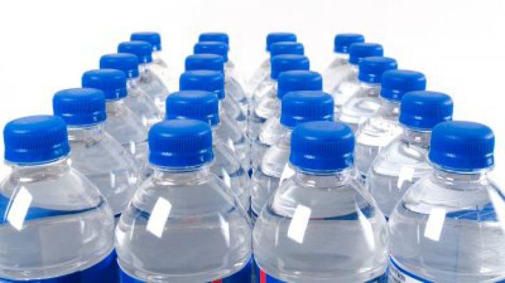 Asa ne hidratam corect. De ce nici 2,5 litri de apa pe zi nu sunt suficienti daca-i bem gresit
