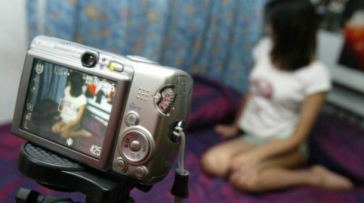 Ce a pățit o tânără după ce iubitul a filmat-o în ipostaze intime