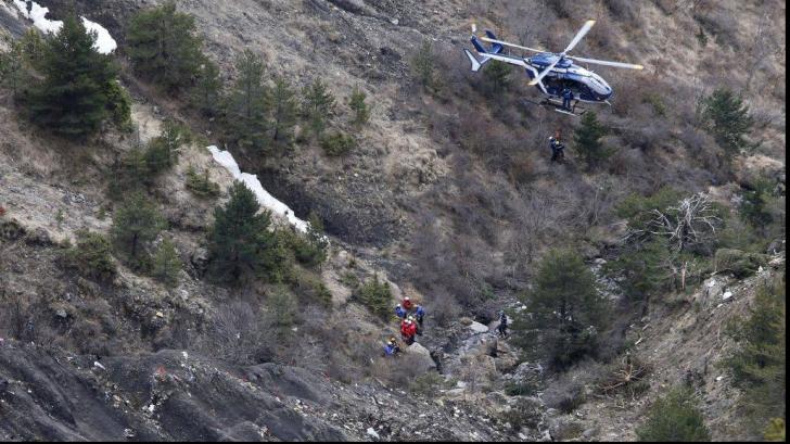 Un turist a murit după ce a căzut într-o râpă în Munţii Piatra Craiului în timp ce făcea fotografii