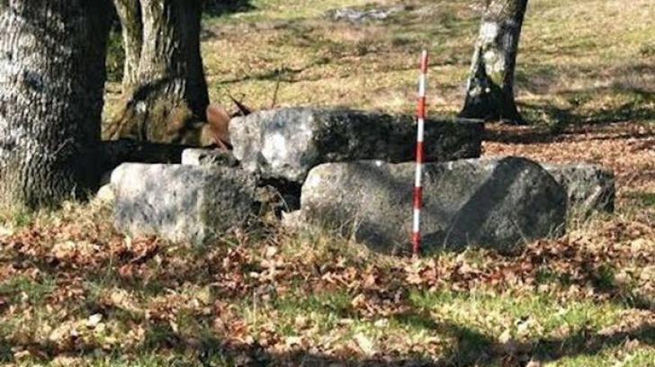 """""""Dorel"""" a distrus un mormânt vechi de 6.000 de ani. Ce a pus în locul lui e incredibil"""