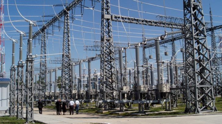 Peste 800 de angajaţi vor fi concediaţi din cadrul Electrica SA