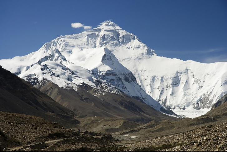 Nepalul a redeschis Everestul pentru alpinişti, după cutremurul devastator din aprilie
