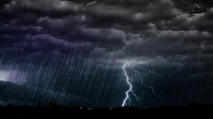 Atenționare de călătorie pentru Grecia! Sunt anunțate furtuni puternice
