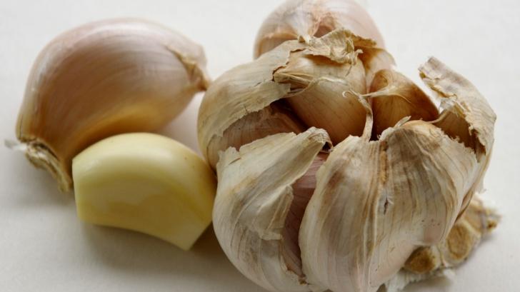 Şase utilizări neobişnuite ale usturoiului