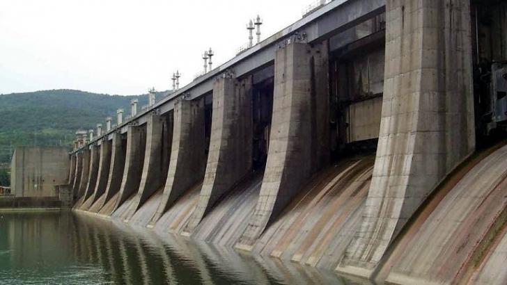 Fost director la Hidroelectrica, trimis în judecată