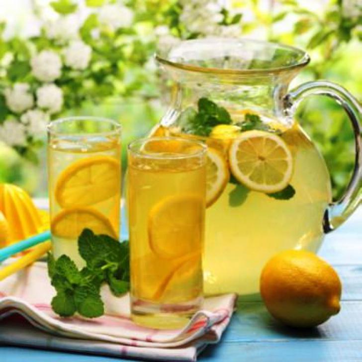 Ingredientul secret pe care îl poţi adăuga în limonadă. Distruge paraziţii, combate cancerul