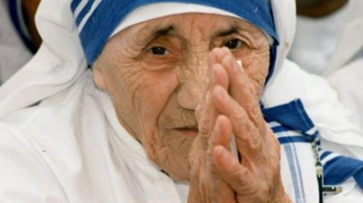 """Astăzi se împlinesc 105 de ani de la nașterea Maicii Tereza, """"binefăcătoarea secolului 20"""""""