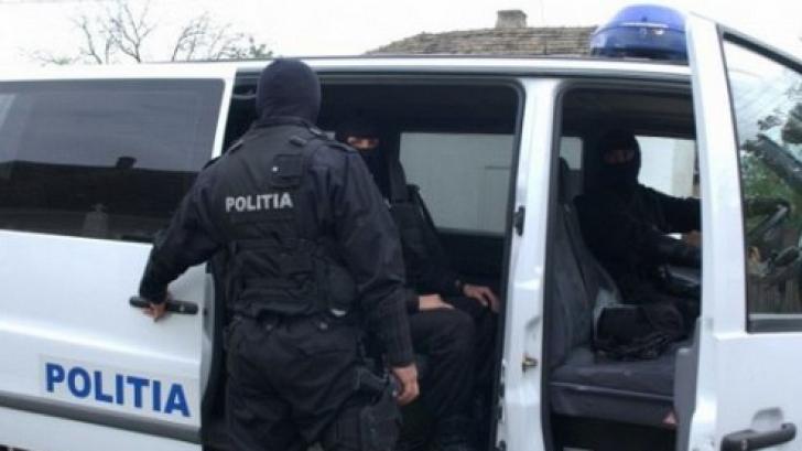Percheziţii de amploare în patru judeţe din Moldova