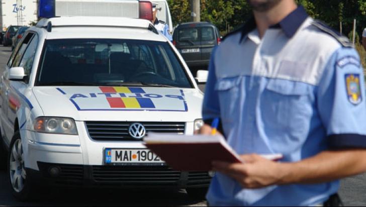 Poliţiştii au oprit o maşină, la Costineşti. Agenţii, uluiţi când au văzut cu cine au de-a face