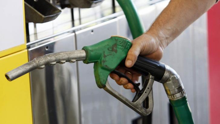 Scăpăm de benzină şi de motorină? S-a inventat motocicleta care merge cu apă