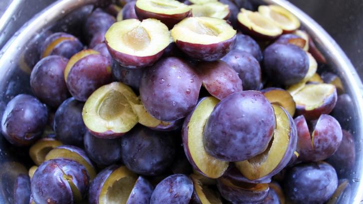 Beneficiile magiunului de prune: Ajută digestia şi protejează sistemul nervos