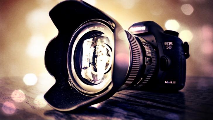 Reduceri eMAG pentru aparate foto DSLR – Care sunt cele mai bune oferte