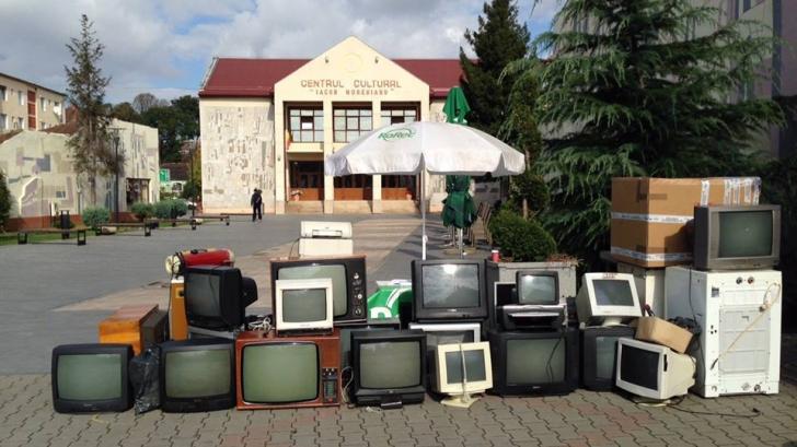 STUDIU: ce fac românii cu telefoanele, televizoarele sau frigiderele stricate