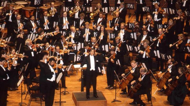 Prima orchestră din lume care a făcut transmisii simfonice la radio va concerta la Bucureşti