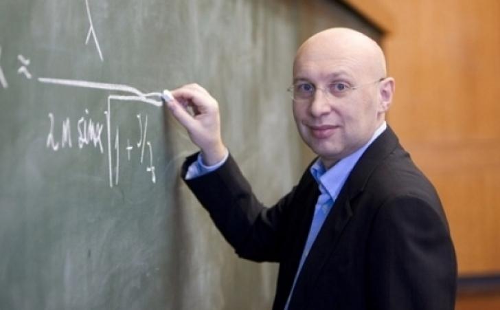 Profesorul român Ştefan Hell, premiat cu Nobelul pentru Chimie, vine în România