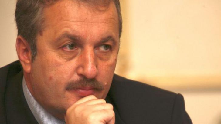 Vasile Dâncu: Politicienii de la noi nu știu la ce folosește politica. Trăim numai anomalii