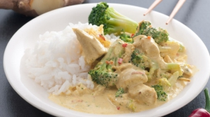 Reţeta zilei: Pui cu orez și broccoli
