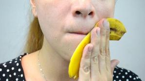 Aplică o coajă de banană pe piele şi ceva minunat se va întâmplă!