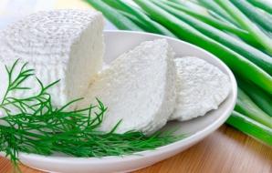 Dieta cu brânză de vaci. Meniul complet care te ajută să slăbeşti rapid