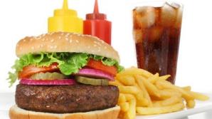 Adevărul crunt despre mâncarea fast-food. Nimeni nu ţi-a spus asta