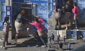 Fotografii şocante. Femeie jefuită în timp ce scoate bani de la bancomat, în plină zi