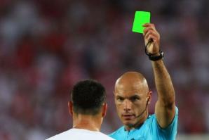 Cartonaș verde