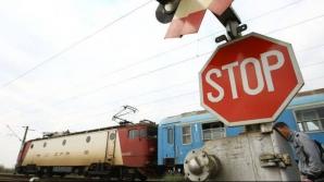 Circulaţia feroviară între Braşov şi Predeal, oprită. Un copac a căzut peste o locomotivă