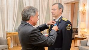 Băsescu despre Coldea: Nu e normal ca un general al Armatei Române să accepte decorațiile altui stat