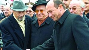 Traian Băsescu, Emil Constantinescu şi Ion Iliescu devin ''Mediatori de Onoare''