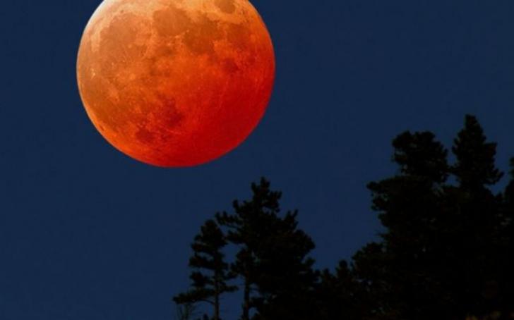 Luna sângerie, fenomenul care anunță Apocalipsa? Ce profeții marchează sfârșitul lumii
