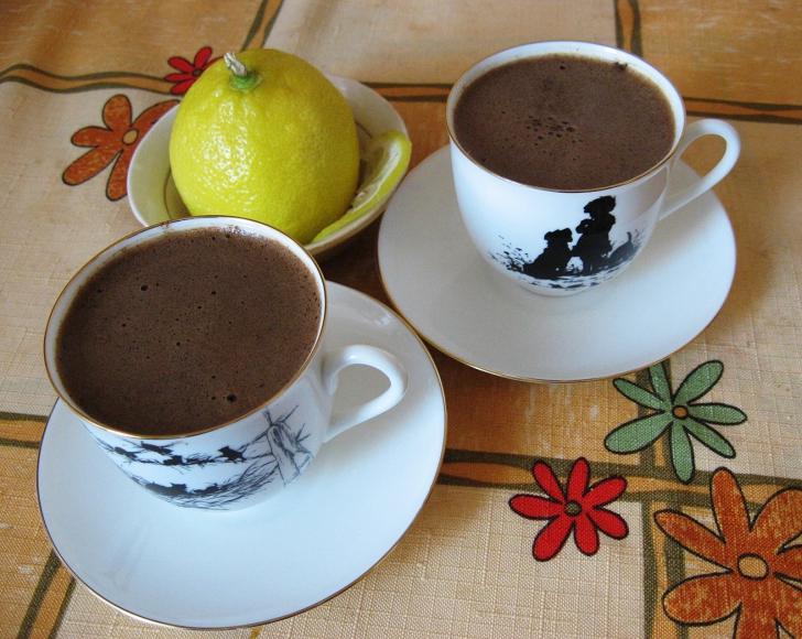 A băut cafea cu lămâie de trei ori pe zi. Efectul a fost unul extraordinar