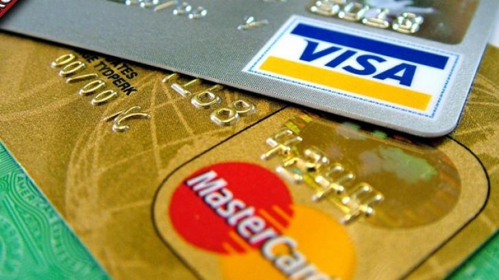 Atenţie la bancomate! Hackerii pot să îți blocheze cardul pentru a-ţi fura banii