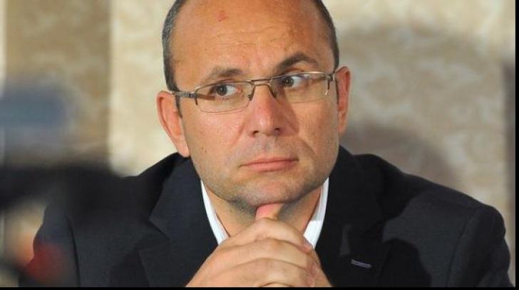 Cozmin Guşă: Moldova este un stat eşuat. A jucat la două capete şi nu va mai fi luată în serios