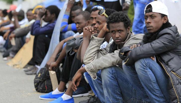 Franţa va primi 24.000 de refugiaţi în următorii doi ani. Câţi ar urma să găzduiască Germania