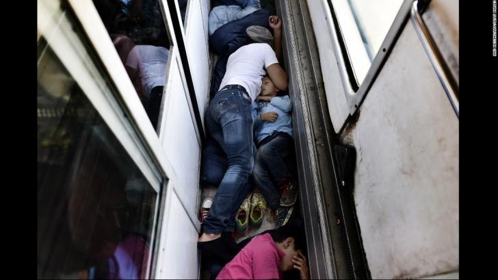 Criza imigranţilor. Număr record de imigranţi veniţi în Bavaria, după controalele la frontieră