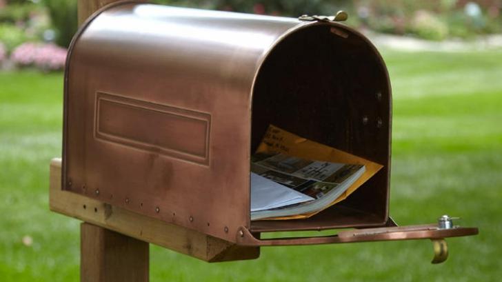 Îi dispăreau scrisorile din cutia poştală în mod misterios. Când a aflat motivul, a sunat la Urgenţe