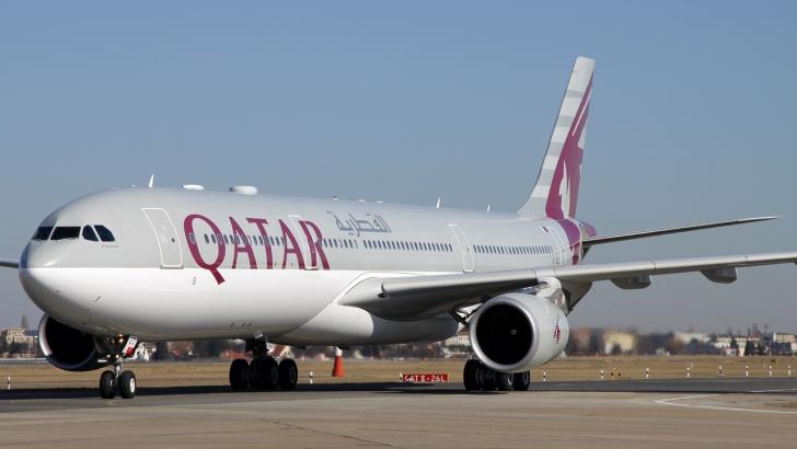 40 de persoane rănite, după ce un avion al Qatar Airways a trecut printr-o zonă cu turbulenţe